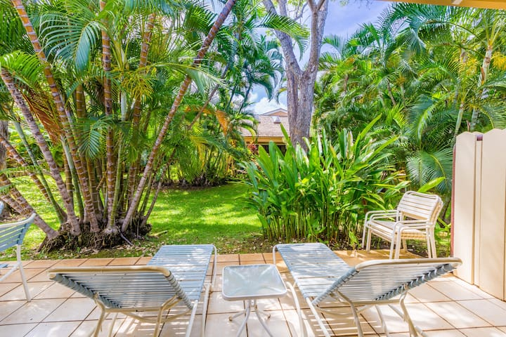 35-1  Private, quiet, well-appointed one bedroom tropical retreat awaits you!