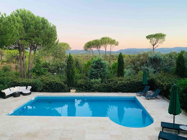 Family friendly Villa, Amazing View and big pool!