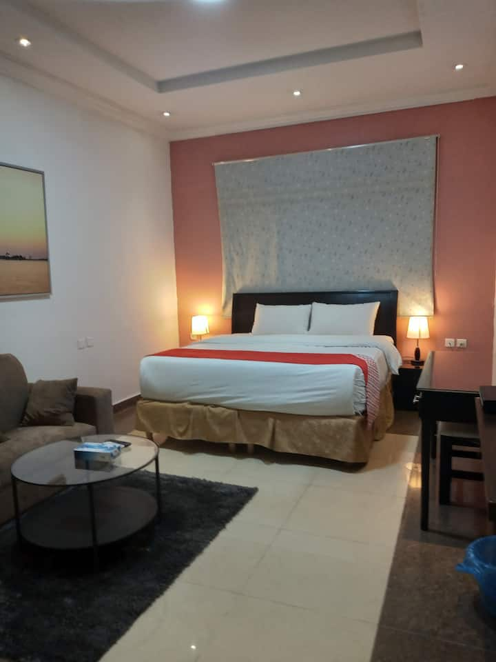 Best Deal Room For 1 single person or  a couple