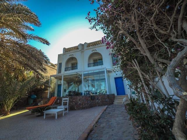 Villa Zyto, Your Seaside escape