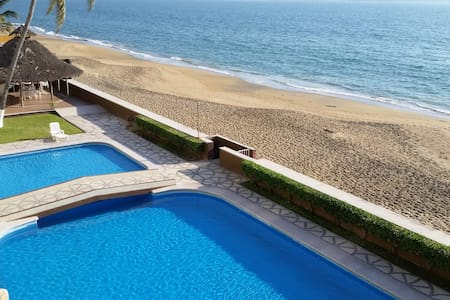 perfect 3 BR beachfront condo on L3 - Manzanillo