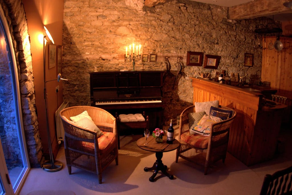 What about a soiree around the piano after dinner?