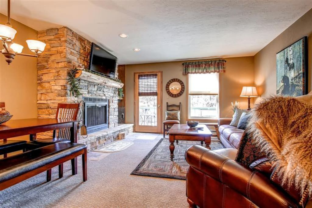 Gorgeous fireplace to sit by as you watch the snowflakes falling outside your window. Add hot cocoa and relax!