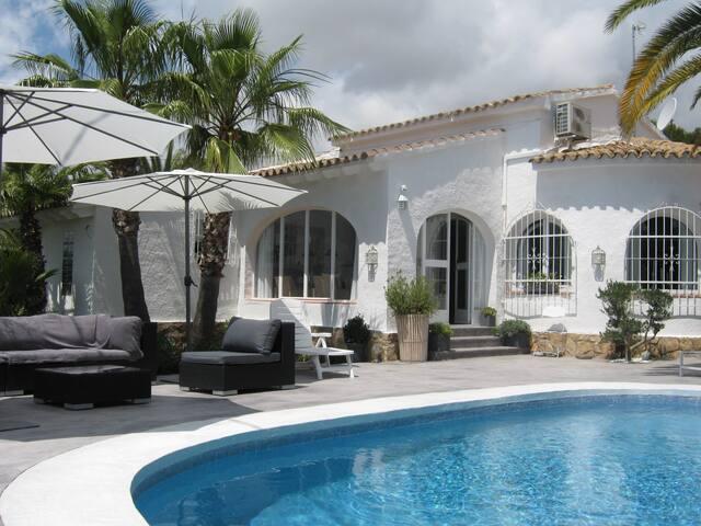 Très agréable maison de plain pieds 4 personnes - Teulada - House