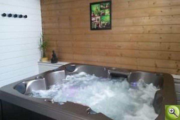 chambres d'hôte piscine/jacuzzi St Malo/Mont St Mi