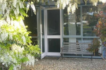 Self catering studio cottage - Bingie - Bungalow