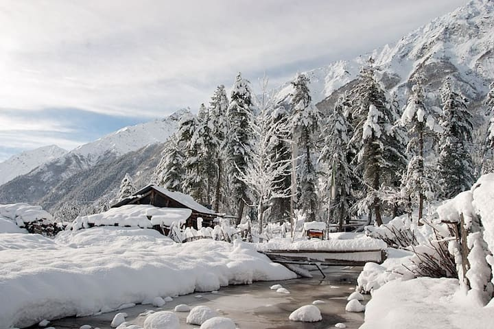 Deluxe Room | Comfy stay at Sangla
