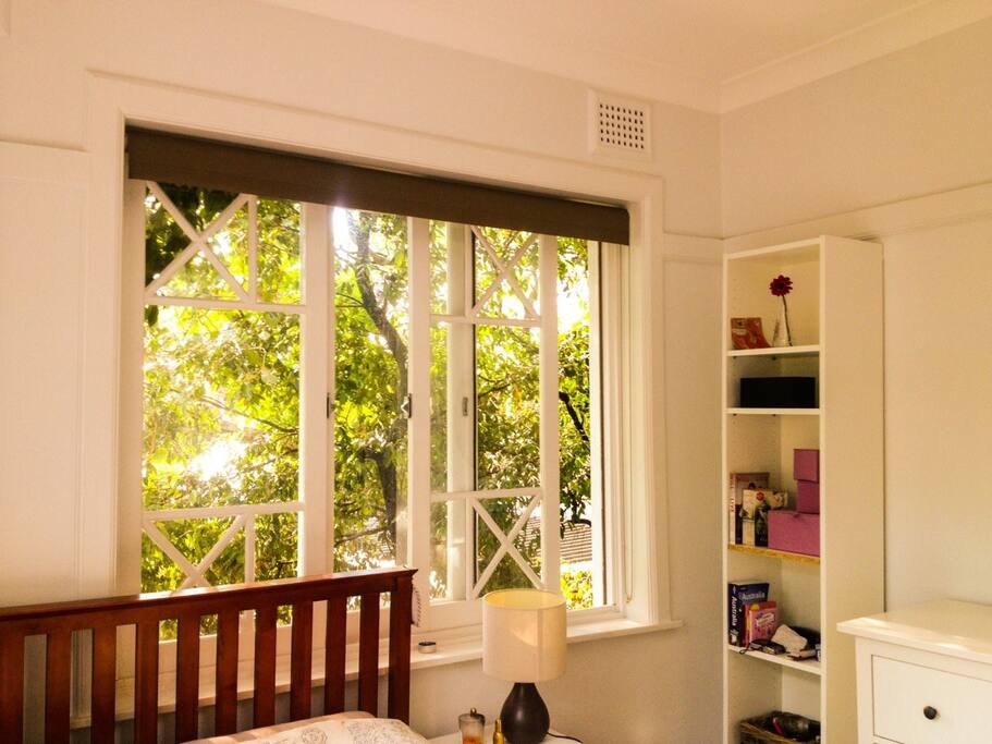 Bedroom #1 - Light and airy with 2 windows