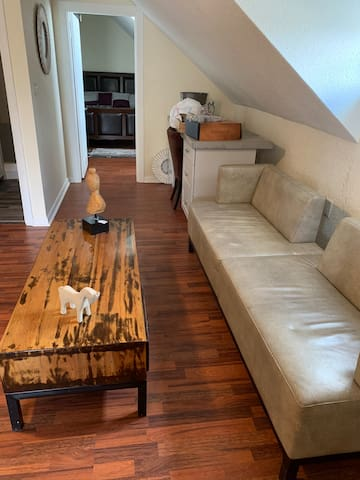 Renovated quiet one bed 5 mins from down town Prov