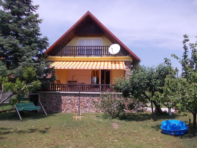 Cottage near Lake Balaton, Hungary - Ábrahámhegy - House