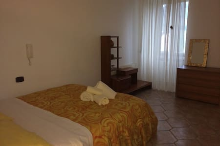 Comfortable bright room with wifi - Roccascalegna