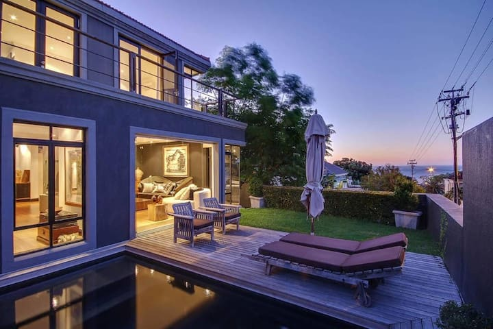 Life at the Top & Views Forever Over Fresnaye - Cape Town