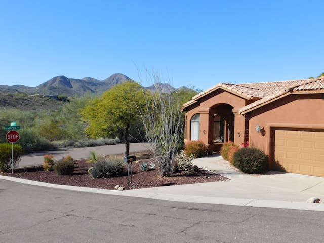 Quiet view home nr Scottsdale/Mayo