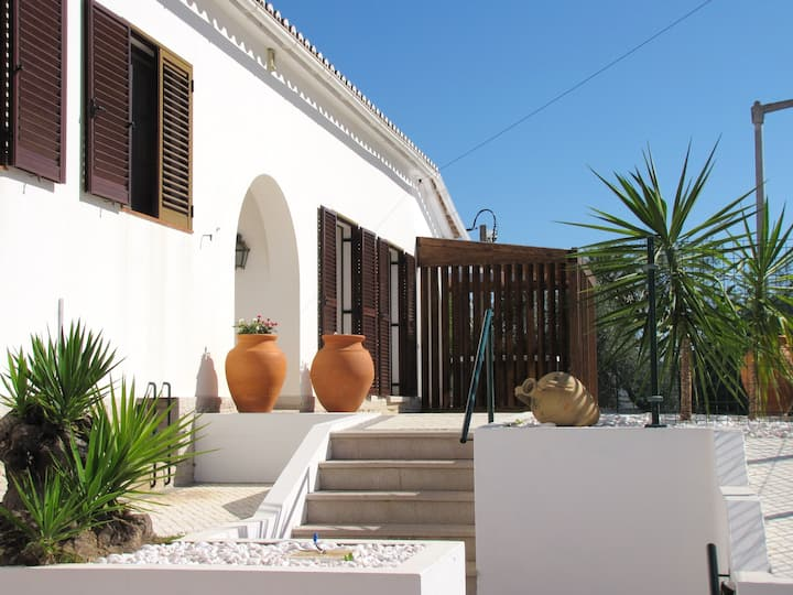 House with 3 bedrooms in Tavira, with wonderful sea view, enclosed garden and WiFi - 2 km from the beach