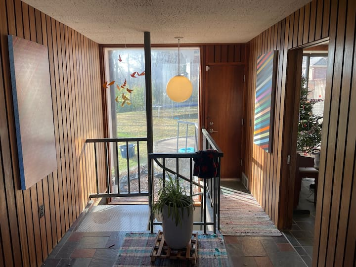 Lakefront Mid-Century in Southern Hills