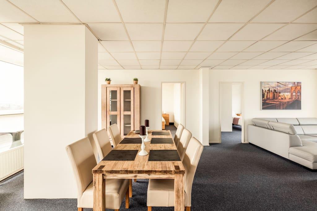 Dit 150m2 appartement biedt ruimte voor maarliefst 6 personen.