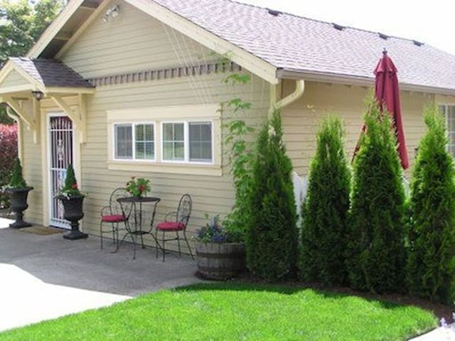 Applegate Guest Cottage - Philomath - Casa