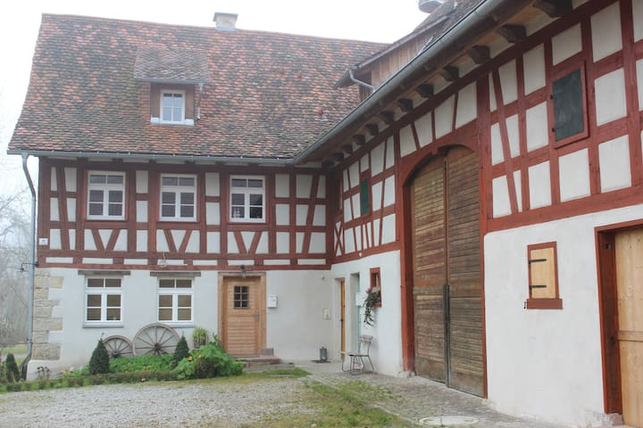 historic half-timber building - Deißlingen - Huoneisto