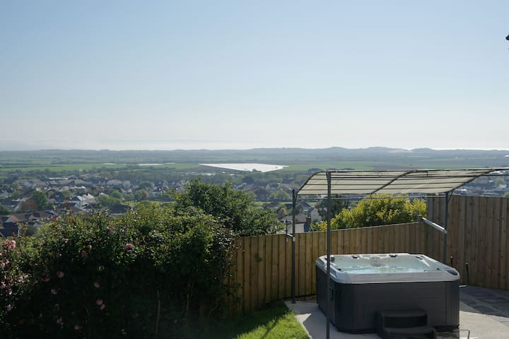 Braunton Cottage with Sea Views