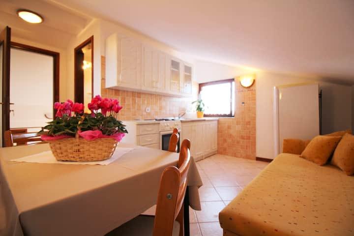 Cozy apartment Mirjana 4 , in picturesque Funtana