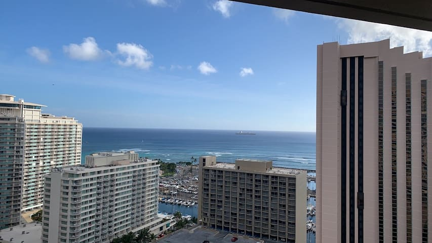 Kai Emi - Expansive Ocean view + free parking!