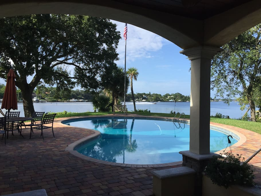 Huge pool with amazing views, balmy breezes almost always, go kayaking from our beach!