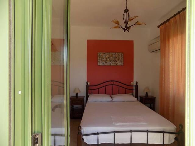 Villa B - Bedroom