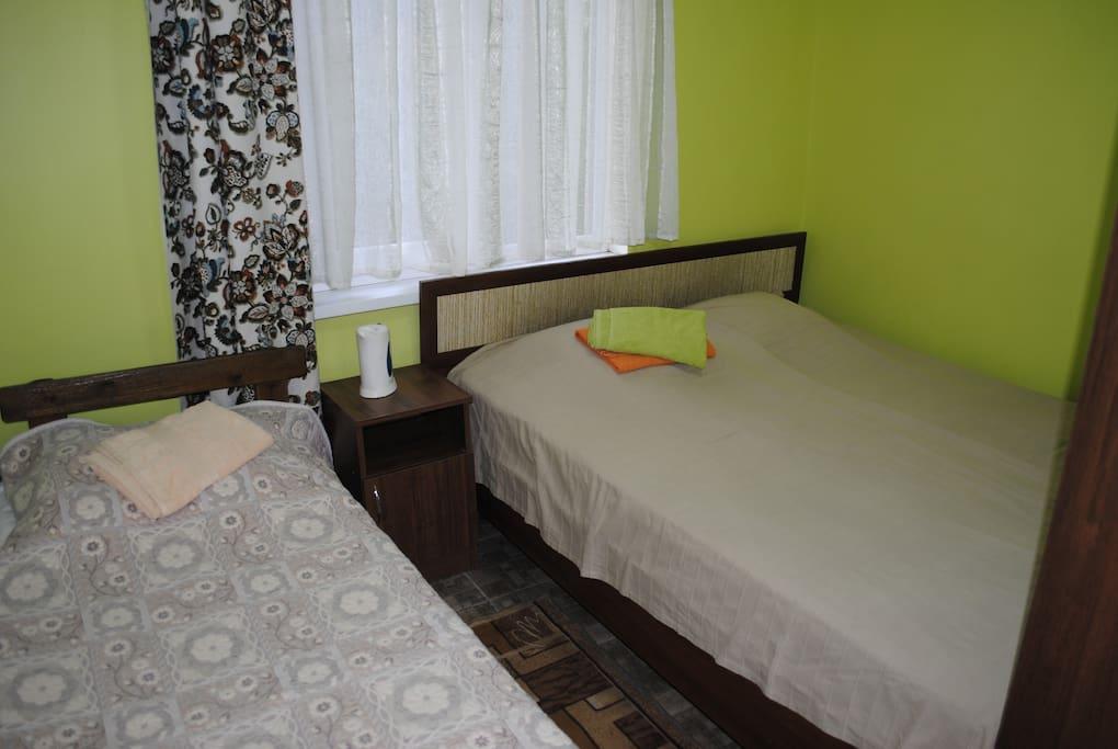 Удобные спальные места для 3-х человек