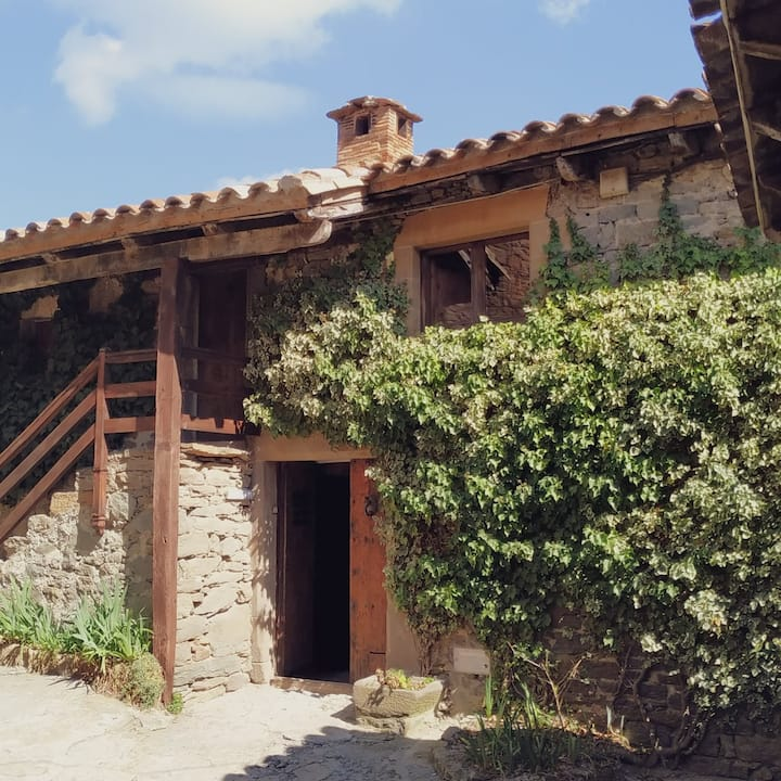 Bonica casa a poble medieval