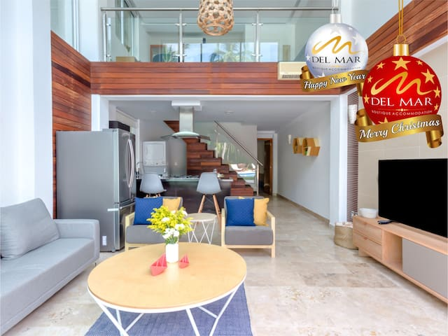 Pool Front  Boutique Apartment W Private Beach
