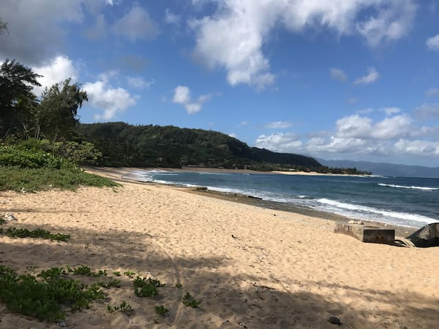 New Listing! Quiet living steps from Sunset Beach - Haleiwa - Apartment