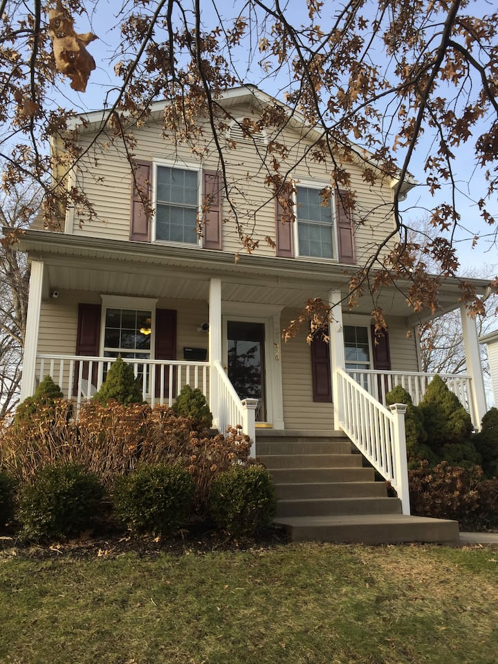 Three Bedroom Home in Downtown Erie, Personal Chef Available