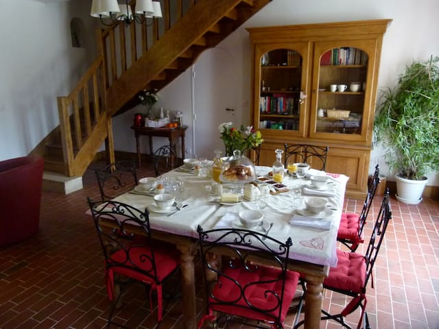 LBVD-Suite Caramel pour 4 personnes - Escorpain - Bed & Breakfast