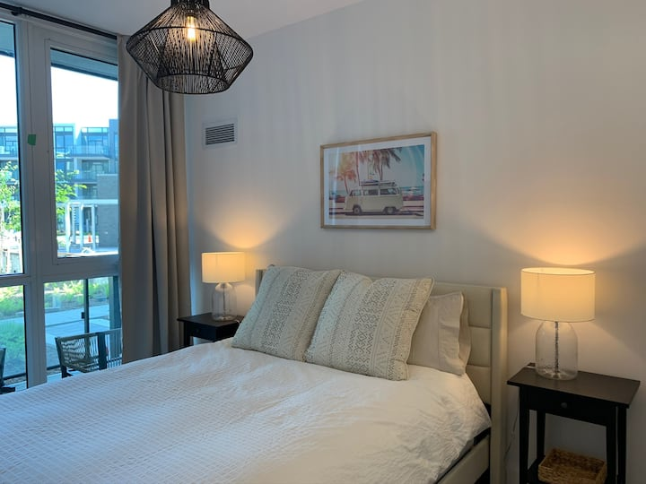 Beautifully Furnished New Condo at Friday Harbour