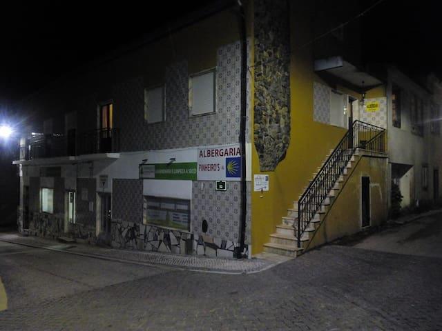 Albergaria Pinheiros - Alvaiázere - Talo