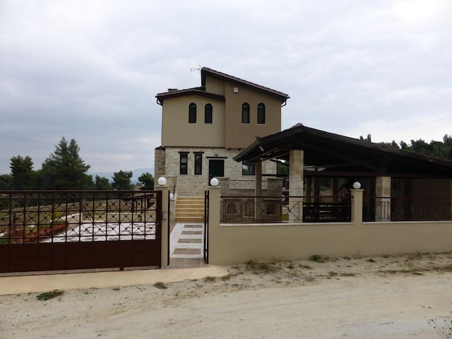 R49 Excellent maisonette in Glarokavos! - Paliouri - House