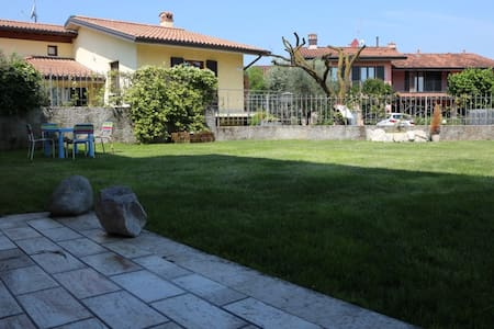 Family Friendly, Spacious Apartment with Wi-Fi, Pool, Lawn and Patiol