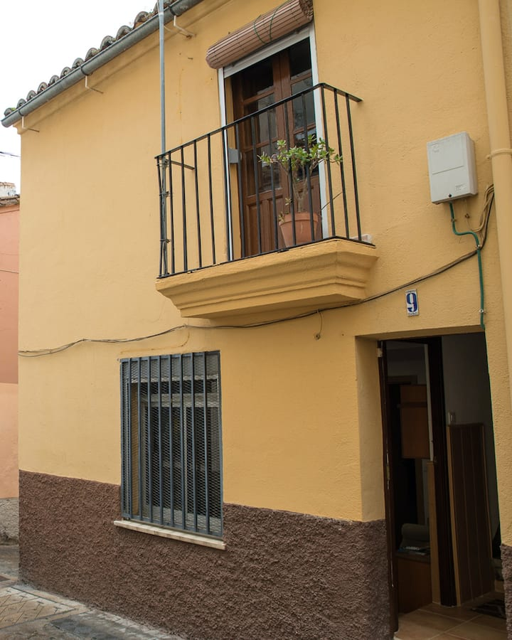 Apartment with one bedroom in Plasencia, with wonderful city view, balcony and WiFi - 70 km from the slopes
