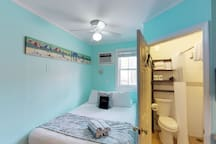 Dog-friendly studio - within walking distance to Duval Street!