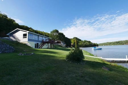 Houghton Canal Lake Rental Just 3mi from town!