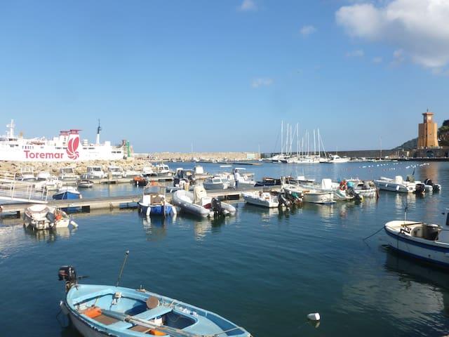 Monolocale a 10 metri dal mare