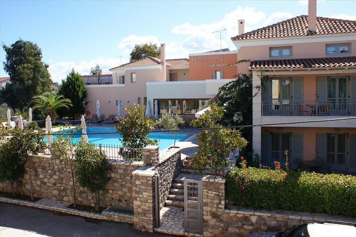 Maisonette ERATO (60 m²) 2-5 Pers. - Longos - Apartment