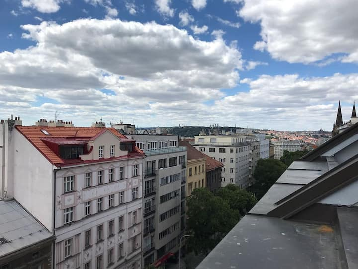 Great loft 3 minutes metro and overlooking Prague!
