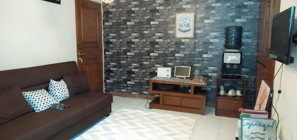 [Room A] Cozy family room in a house in Tebet