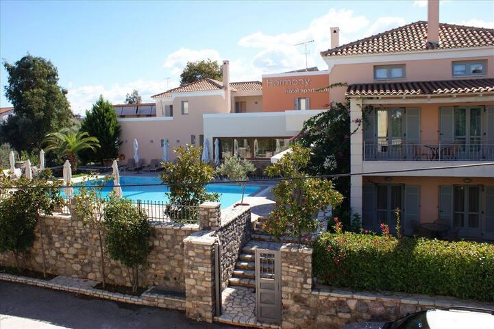Maisonette KYVELI (47 m²) 2-5 Pers. - Longos