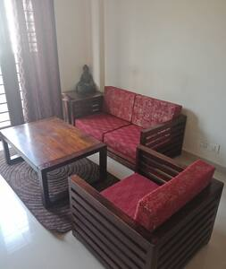 Zen inspired 1bhk-Wifi-Tranquil Serviced Apartment
