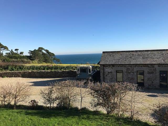 Cosy, Quiet Studio Barn Close to the Coast - Maenporth