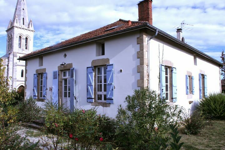 LA GRANDE MAISON - Onard - Hus