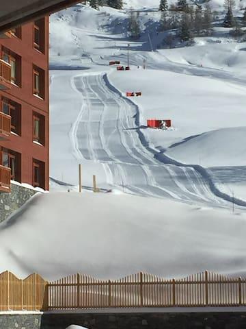Appartement dans résidence 5 etoiles ski au pied