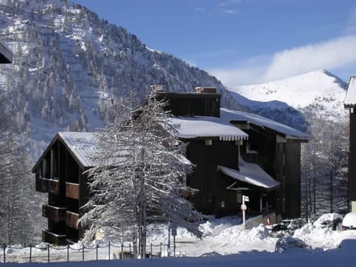 Studio 5Pers. skis aux pieds Hameau Isola 2000